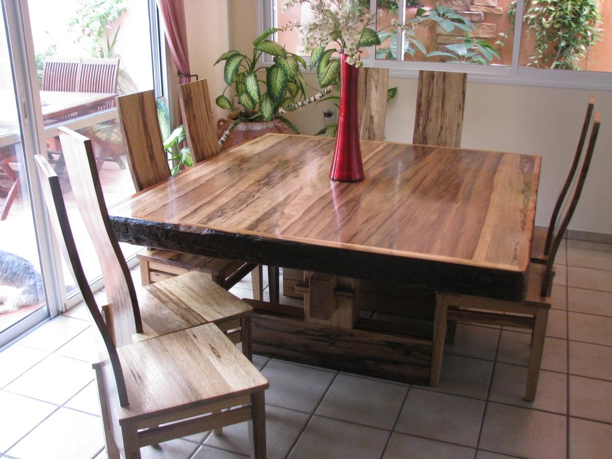 שולחן פינת אוכל אגוז אפרקאי שחפופיה