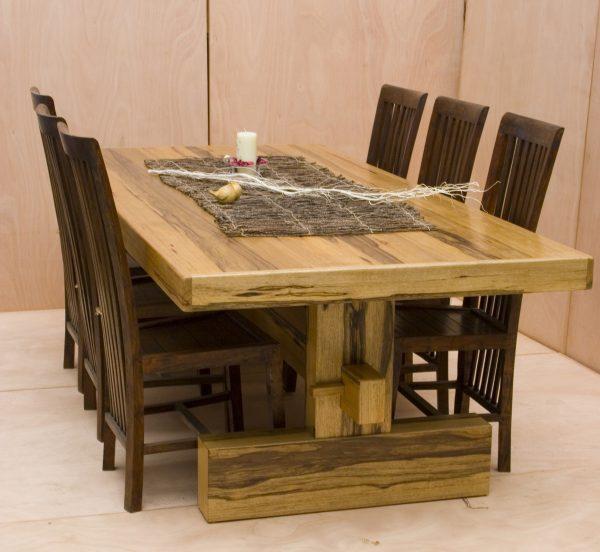 שולחן אוכל נפתח מאגוז אפרקאי שחפופיה